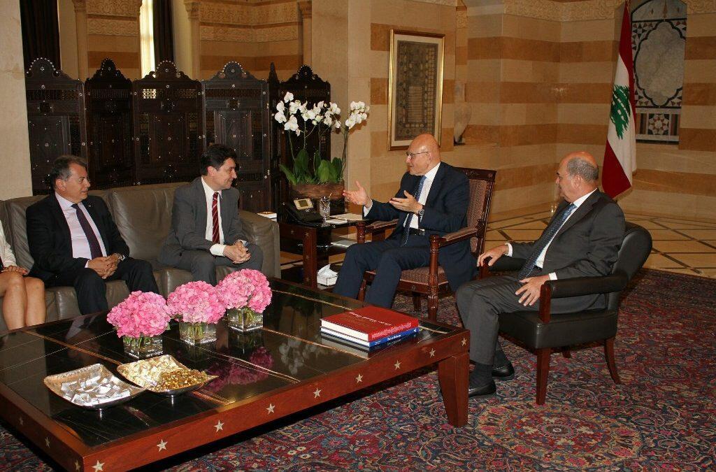 Salam évoque avec le Sénateur Cadic la mise en place d'un centre d'informations sur l'eau
