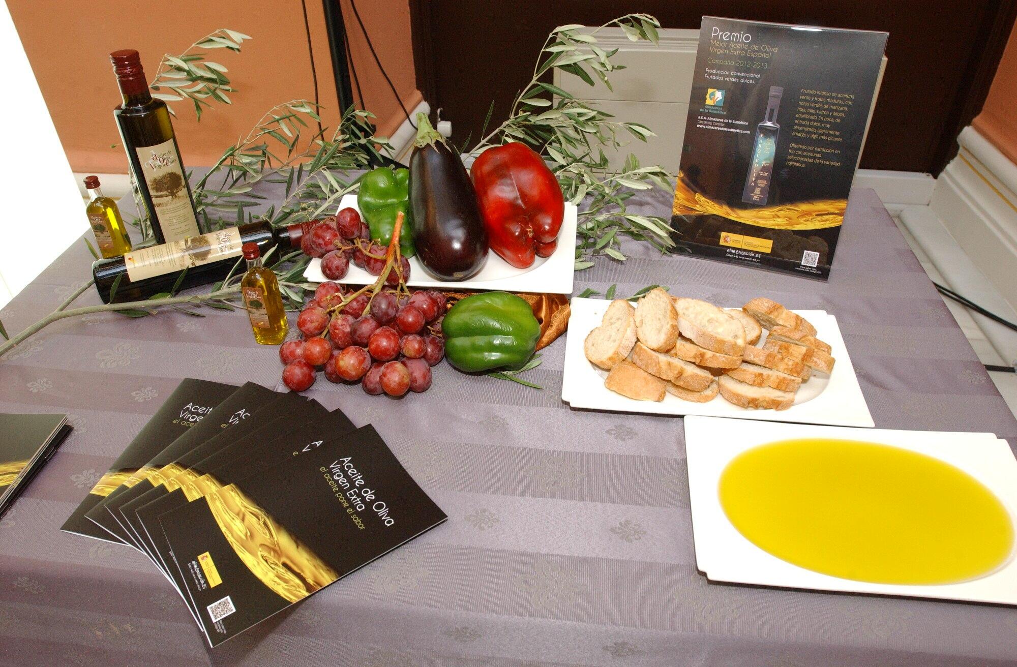 El Ministerio De Agricultura Alimentación Y Medio Ambiente Convoca El Premio Alimentos De España Mejores Aceites De Oliva Virgen Extra 2016 2017 Greenarea Me