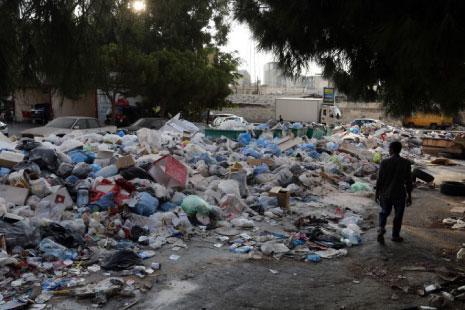 63 بلدية لا تزال غارقة في نفاياتها
