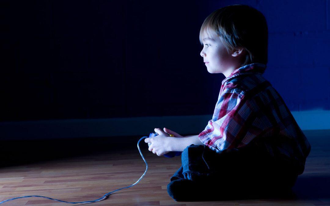 Los videojuegos sí vuelven violentos a los niños, pero no por igual a todas las etnias