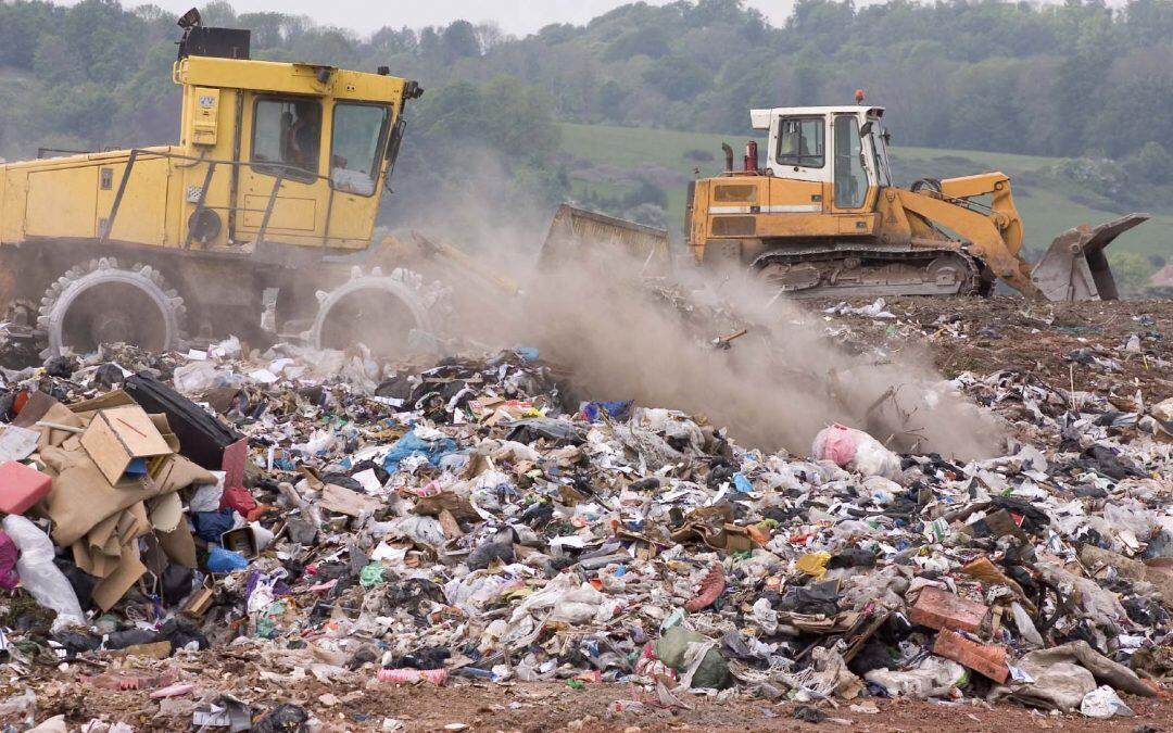 تهديدات خطيرة لسوء إدارة النفايات على الصحة والبيئة