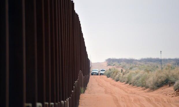 Les États-Unis renoncent aux lois environnementales pour remplacer les barrières frontalières au Nouveau-Mexique
