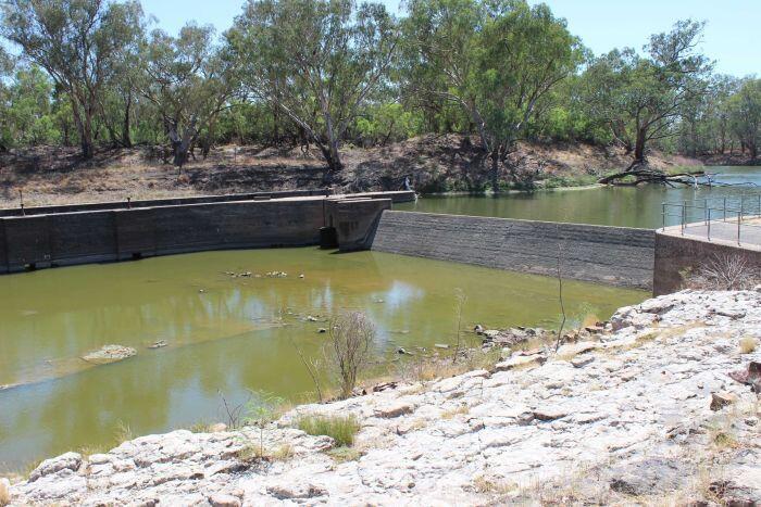 Plan de bassin de Murray-Darling: demande que l'eau s'échappe de l'entrepôt pour stimuler les débits de Barwon-Darling