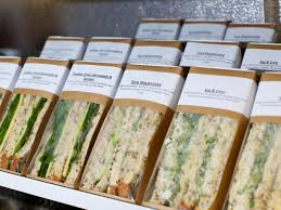 Changement climatique: les sandwiches consommés au Royaume-Uni «ont le même impact environnemental que huit millions de voitures»