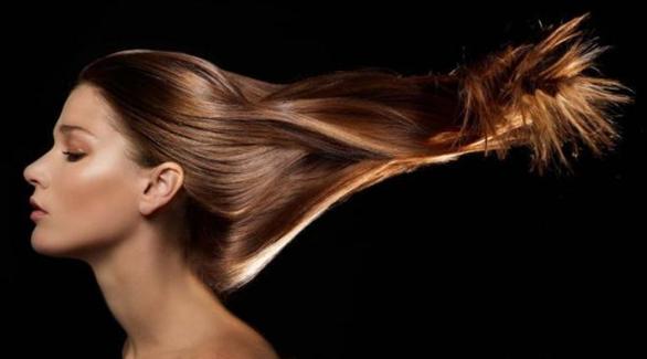 شعر المرأة ينمو بشكل أبطأ من شعر الرجل؛ لأن بصيلة الشعرة عند المرأة تحتوي على مواد دهنية أكبر تعوق نمو شعرها بنسبة 15% أقل مما هو عند الرجل