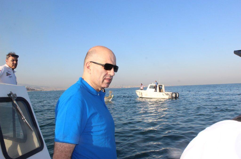 جولة كشف بحري فجائية فجرا لمدير عام الزراعة على صيادي الاسماك