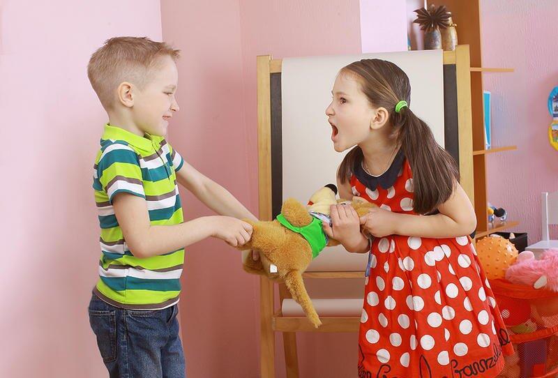 كيف تنزعين من طفلك الأنانية؟
