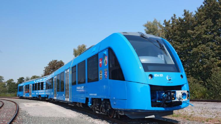 تشغيل أول قطار يعمل بالهيدروجين في العالم