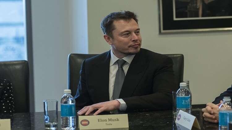 إيلون موسك قد ينطلق إلى القمر مع ملياردير ياباني