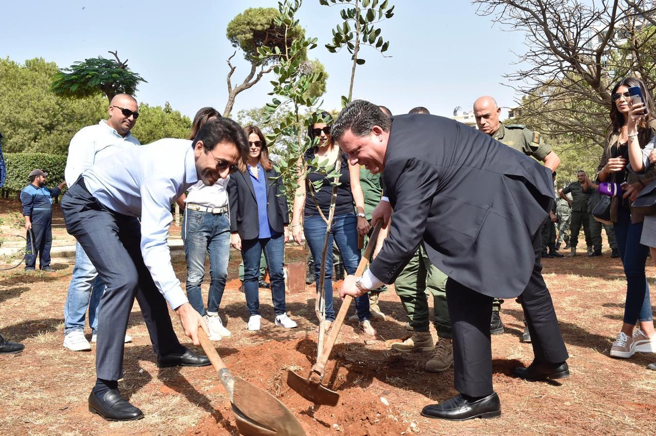 شبيب أشرف على زرع 800 من أغراس الأشجار في حرج بيروت