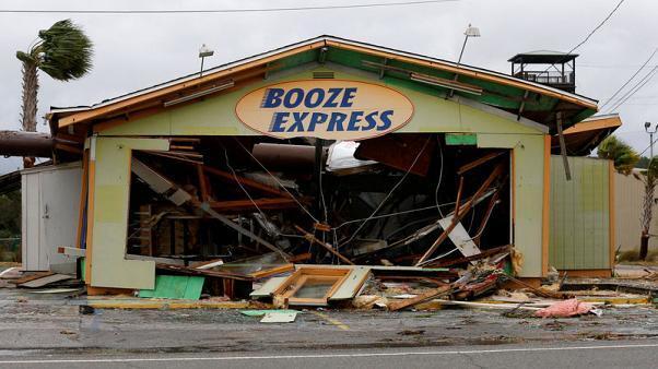 الإعصار مايكل يجتاح اليابسة مخلفا الدمار في فلوريدا الأمريكية