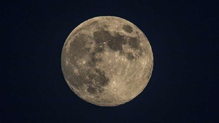 """""""روس كوسموس"""" تدرس إمكانية استخدام تربة القمر في الطباعة الثلاثية الأبعاد"""