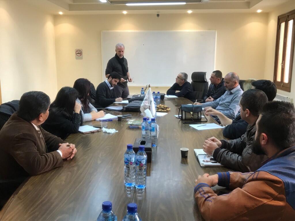 اجتماع في بلدية بشري بحث الأثر البيئي لسد وادي الشيش في الارز