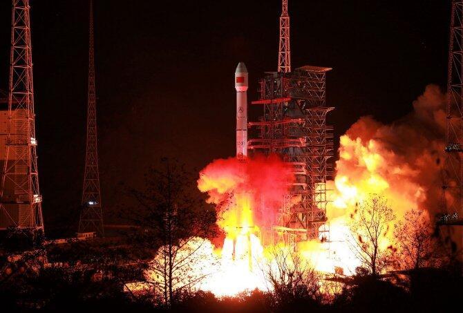 Lanzado el satélite Zhongxing-2D