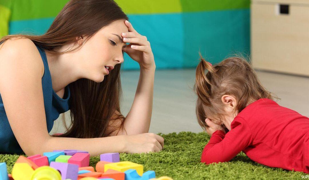 تربية البنات: 10 أخطاء احذري فعلها مع ابنتك