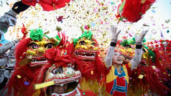 في الصين… وزّع الملايين على ابناء قريته!