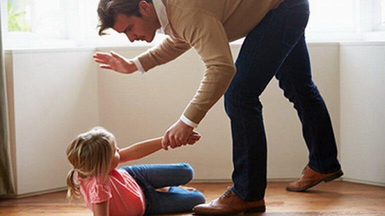 دراسة: العقاب الجسدي للطفل يرتبط بالسلوك المعادي في البلوغ