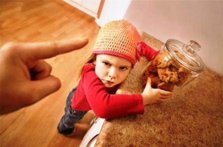 مواقف الأطفال المحرجة كيف تتعاملين معها؟