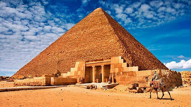 Gracias a un papiro se obtiene un testigo ocular de cómo se construyó la Gran Pirámide
