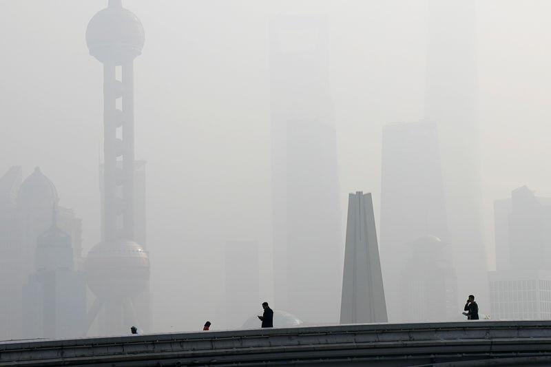الصين تمدد إجراءات مكافحة الضباب الدخاني في الشتاء لعام آخر