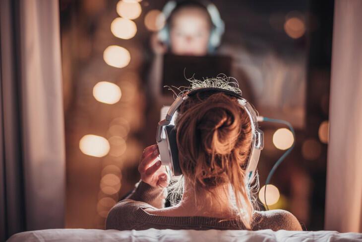 الثورة  الالكترونية والمخدرات.. آفات قد تقضي على سمع الشباب بين عمر 12 و 32 سنة !