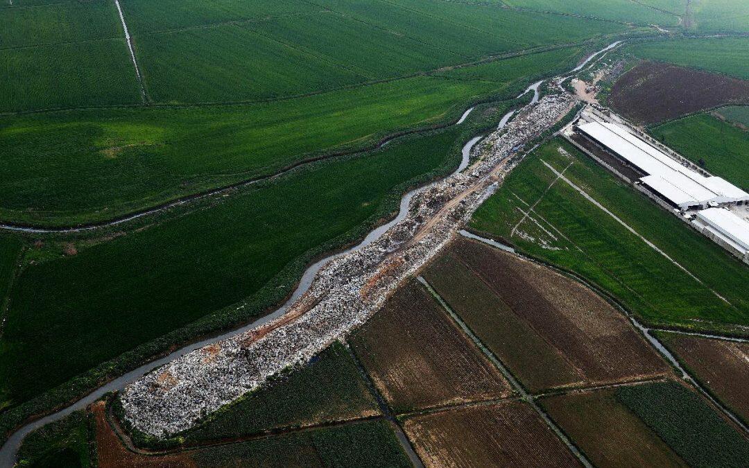 نهر الليطاني من الجو… صور بانورامية توثق الكارثة!