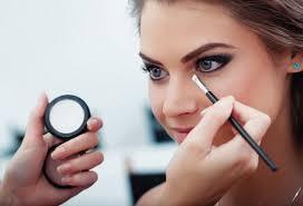 Tóxicos de los cosméticos que pueden dañar tu piel