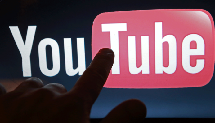 2 BILLONES. El número de video vistos en YouTube cada día. También el doble que el año pasado.