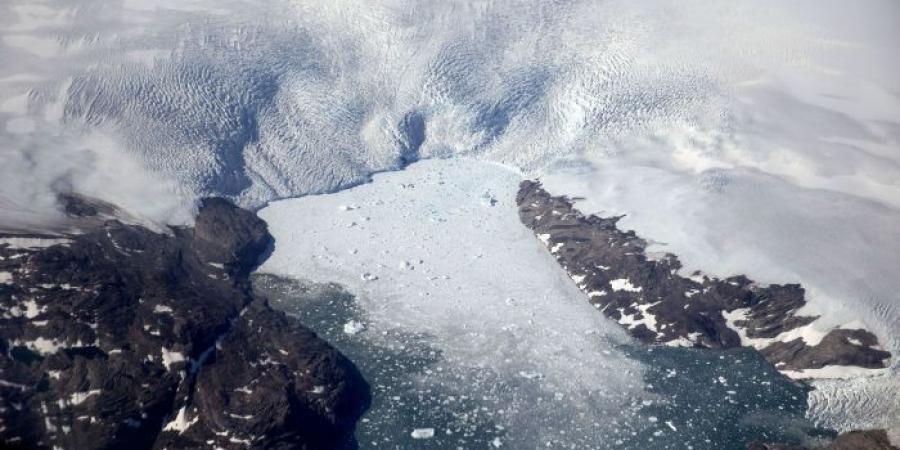 جليد صناعي  ينقذ الغطاء الجليدي للقطب الجنوبي!!