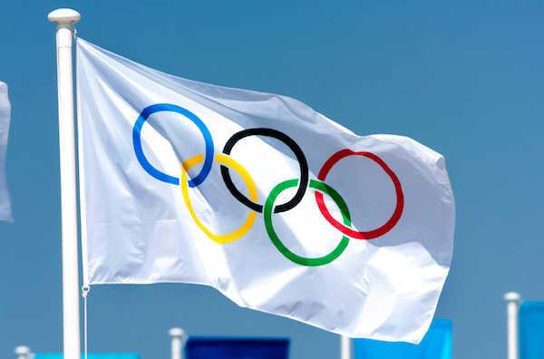 العلم الأوليمبي قد تم تصميمه في عام 1913