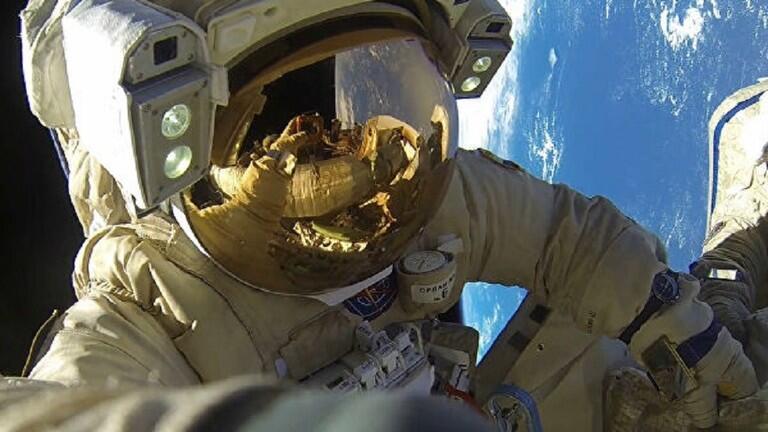البزة الفضائية الروسية الجديدة تصلح للقمر أيضا
