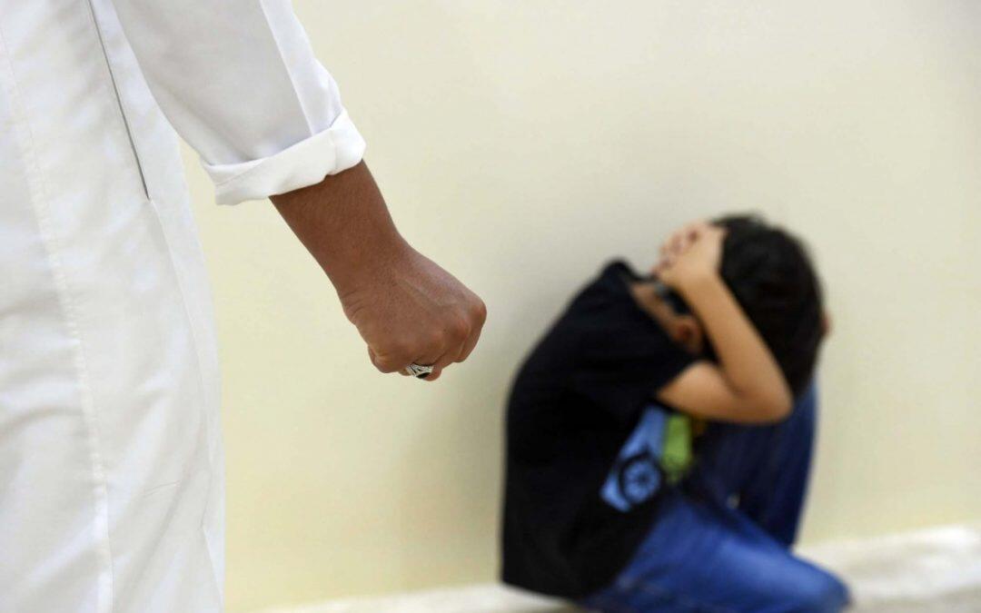أطفال ضحايا تعنيف الأب دون رحمة .. فما هي الأسباب؟