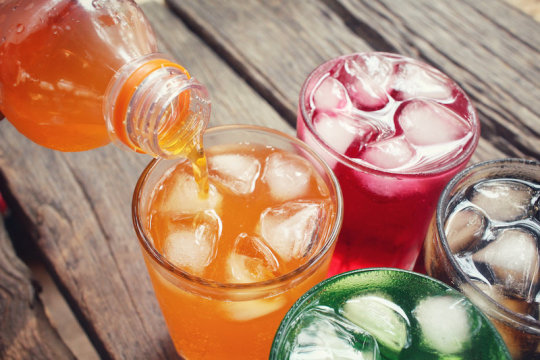 Association between soft drink consumption and mortality in 10 European countries