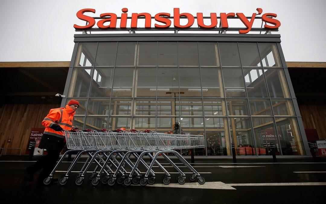 سينسبري البريطانية تتعهد بخفض التغليف بالبلاستيك إلى النصف بحلول 2025