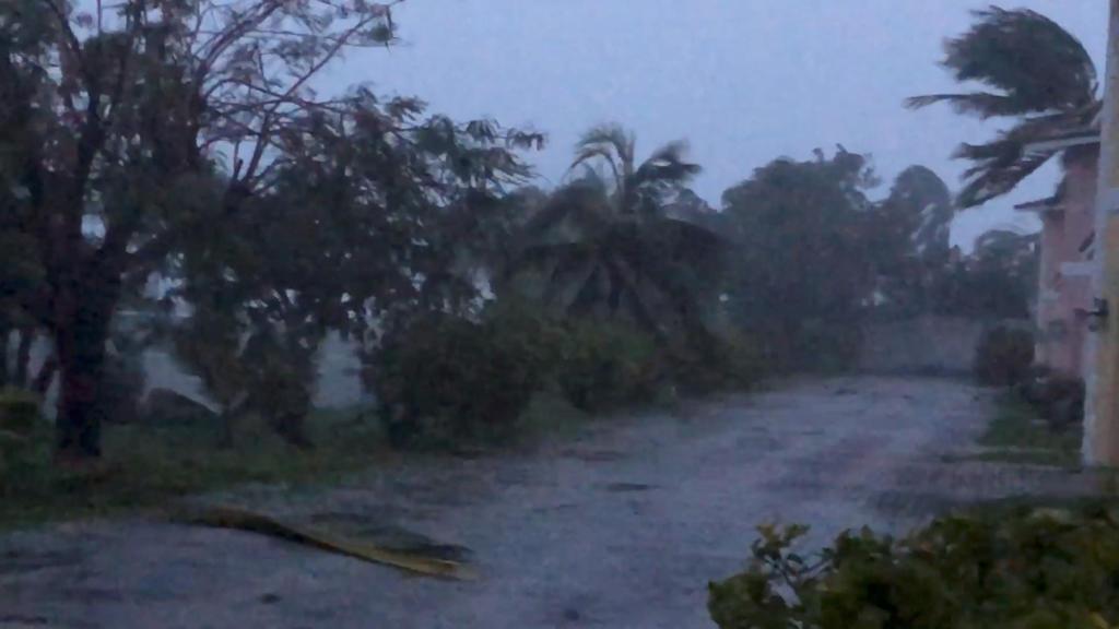 الإعصار دوريان يضرب الساحل الأميركي بأمطار غزيرة