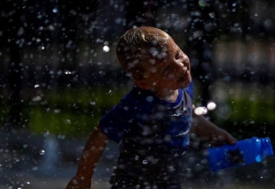 """""""موجة حر"""" تُغلق مئات المدارس في اميركا"""