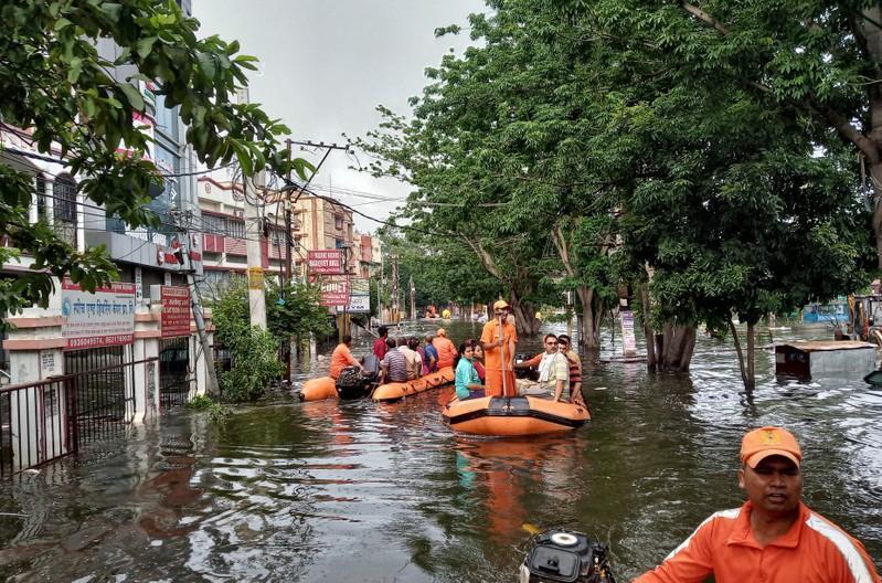 مقتل أكثر من 1600 شخص بالهند في أسوأ أمطار موسمية منذ 25 عاما
