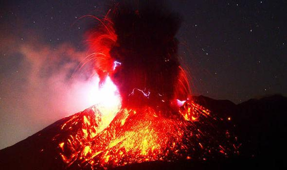 وكالة:انفجار بركان ساكوراجيما باليابان وسحابة رماد بارتفاع 5.5 كيلومتر