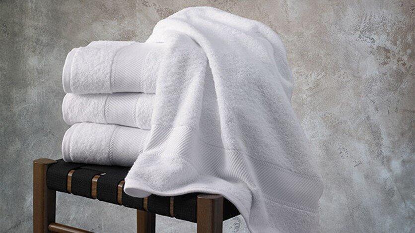 كم مرّة يجب غسل مناشف الاستحمام؟