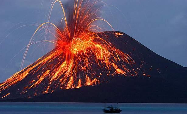 هل يمكن التنبّؤ بموعد ثوران البركان؟