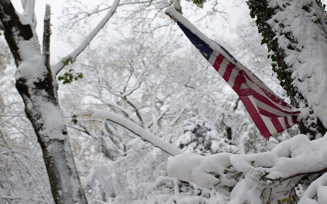 عواصف ثلجية وأمطار في عدة ولايات أميركية تحول رحلات عيد الشكر إلى كابوس