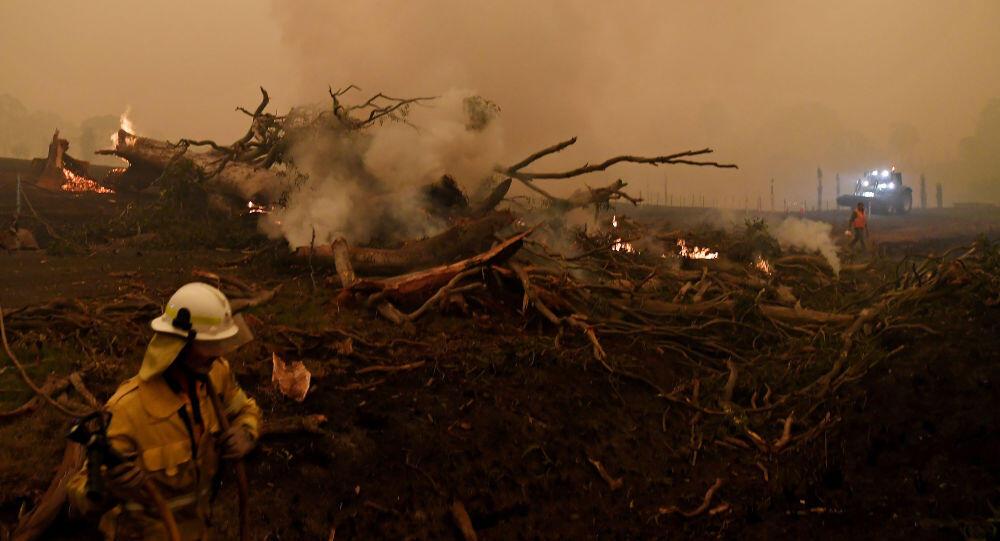 عواصف وفيضانات تغلق الطرق في مناطق ضربتها الحرائق بأستراليا