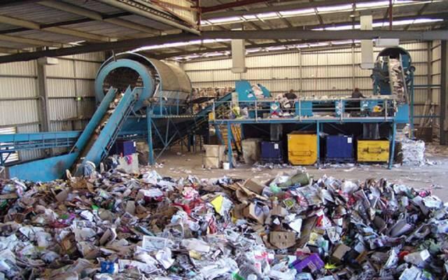 جريصاتي من موقع تخزين لشركة الكهرباء- البوشرية: هناك إطار قانوني لإدارة النفايات الصناعية