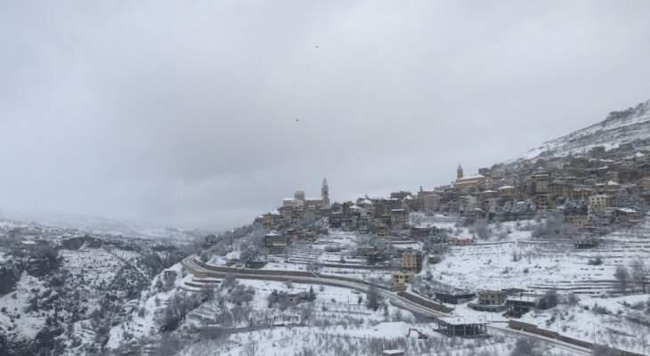 الثلوج وصلت في بلدات قضاء بشري الى ارتفاع 900 متر