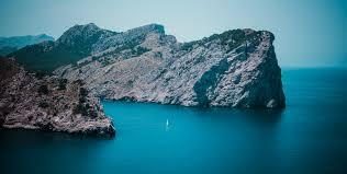 البحر المتوسط: الأكثر تأثراً بتغيُّر المناخ ويختنق بـ 7 % من البلاستيك