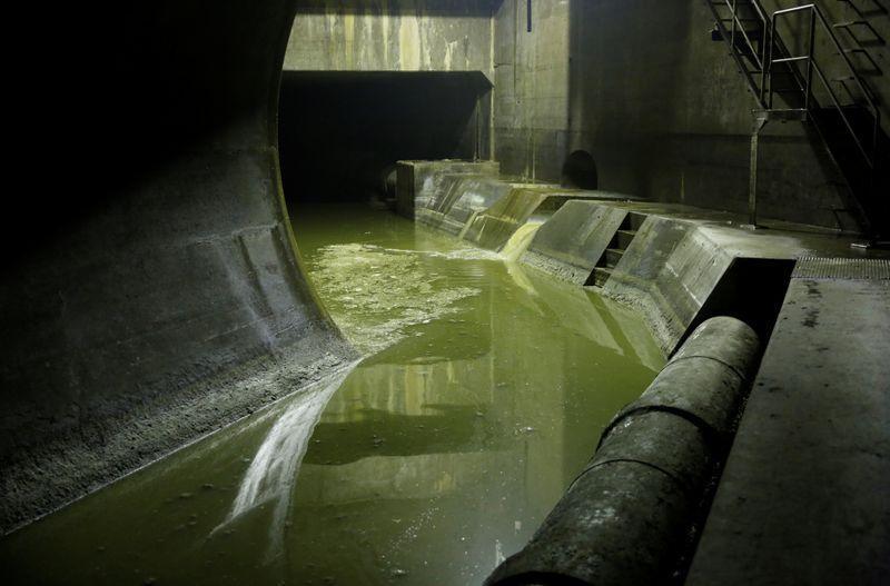 باحثون يابانيون يؤكدون وجود فيروس كورونا في محطات مياه الصرف الصحي