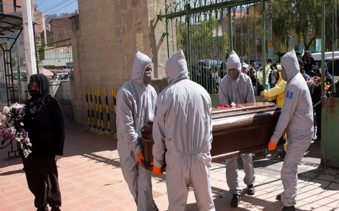 سحب أكثر من 400 جثة من شوارع ومنازل في بوليفيا مع تسارع انتشار كورونا
