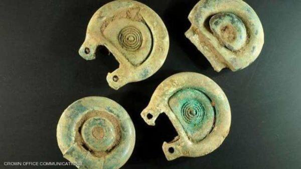 العثور على كنز عمره 3 آلاف عام في اسكتلندا