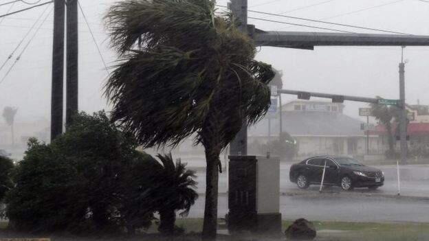 الإعصار سالي يشتدّ مع اقترابه من السواحل الأميركية