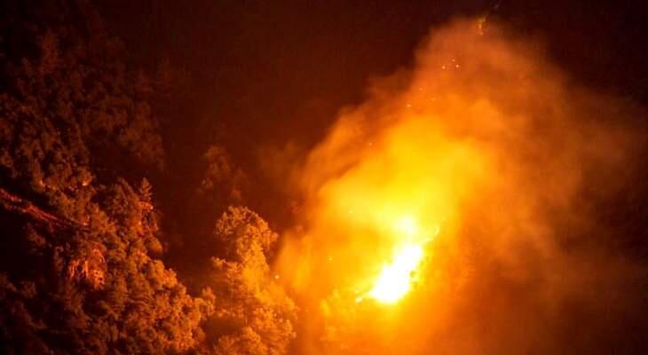 الحريق في خراج بلدة بزال العكارية ما زال مشتعلا
